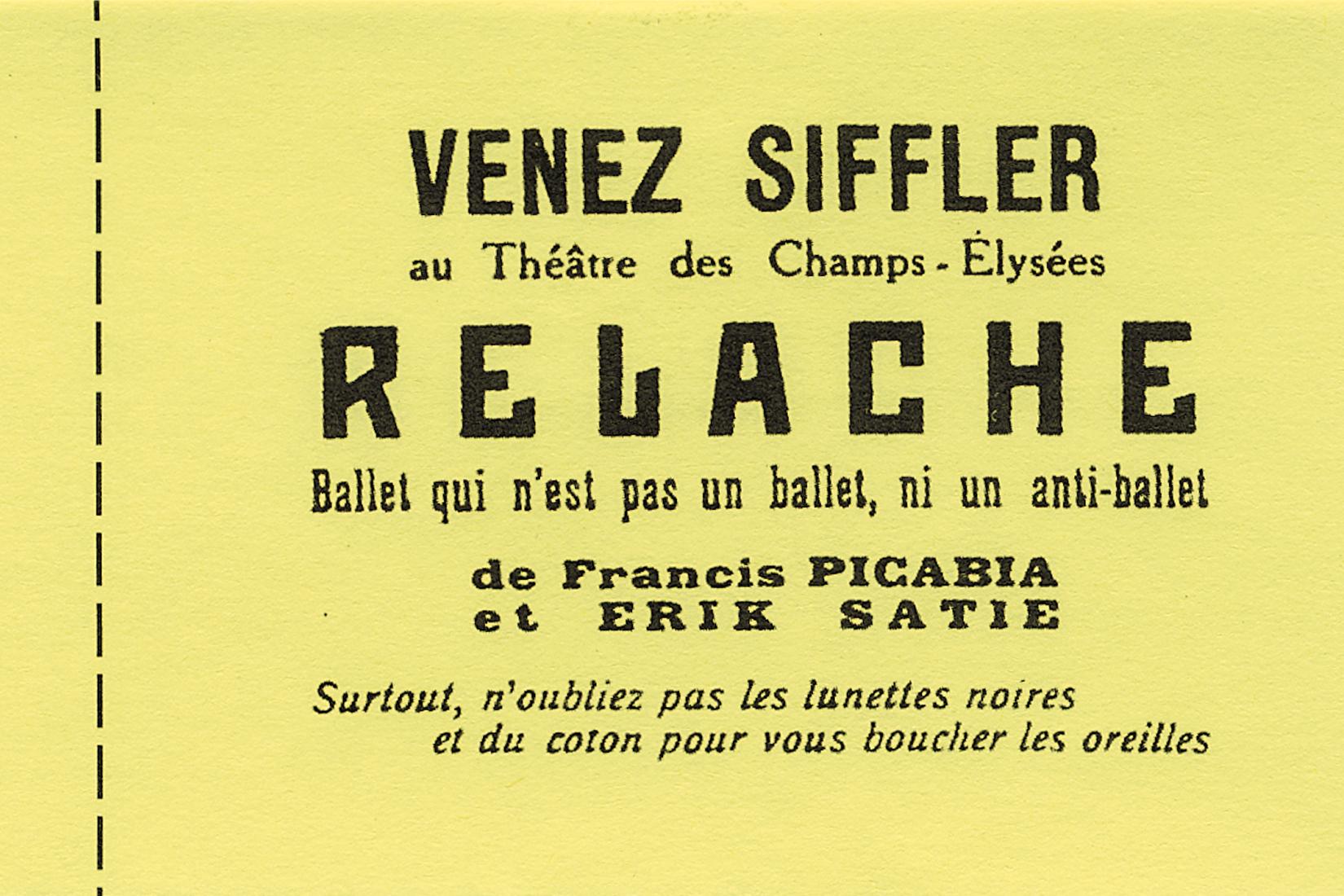 Billet jaune avec texte noir.